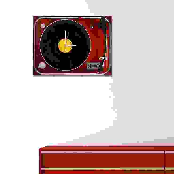 Ratolye Ahşap Tasarım Atölyesi – Plaklı Duvar Saati: modern tarz , Modern