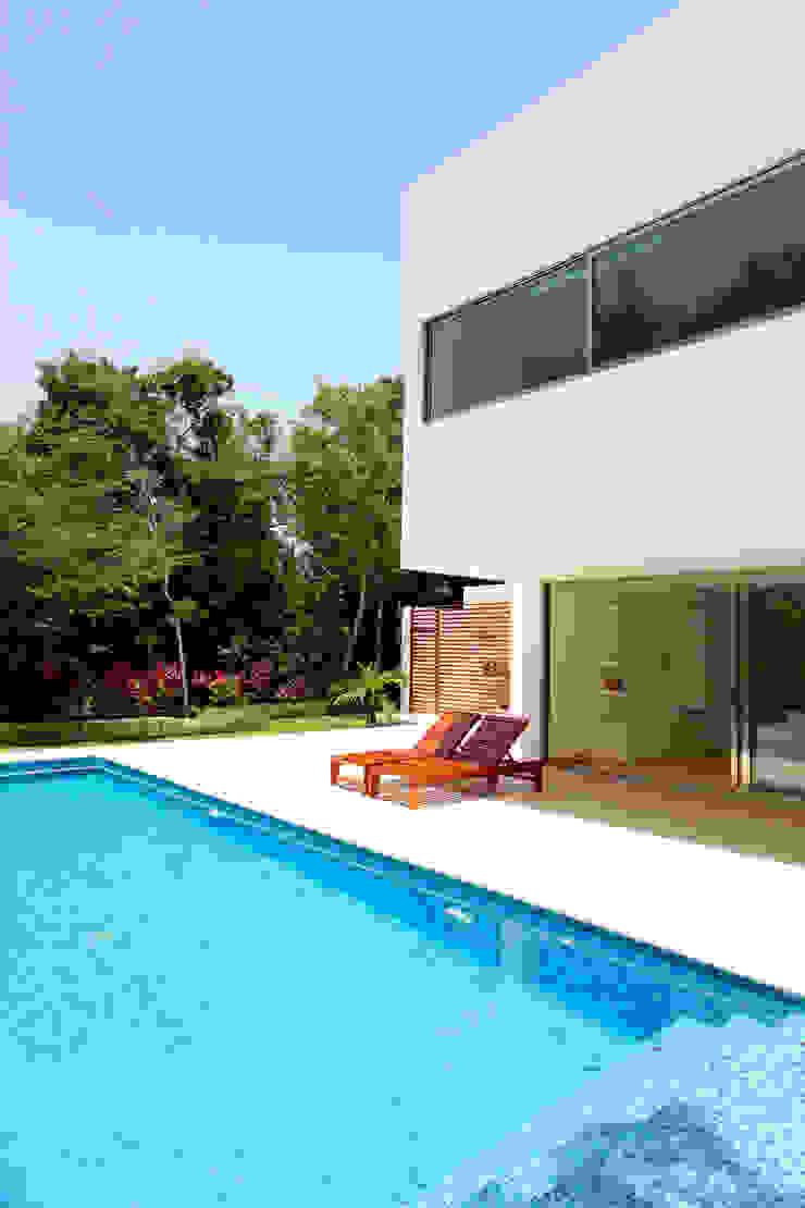 Enrique Cabrera Arquitecto Modern pool