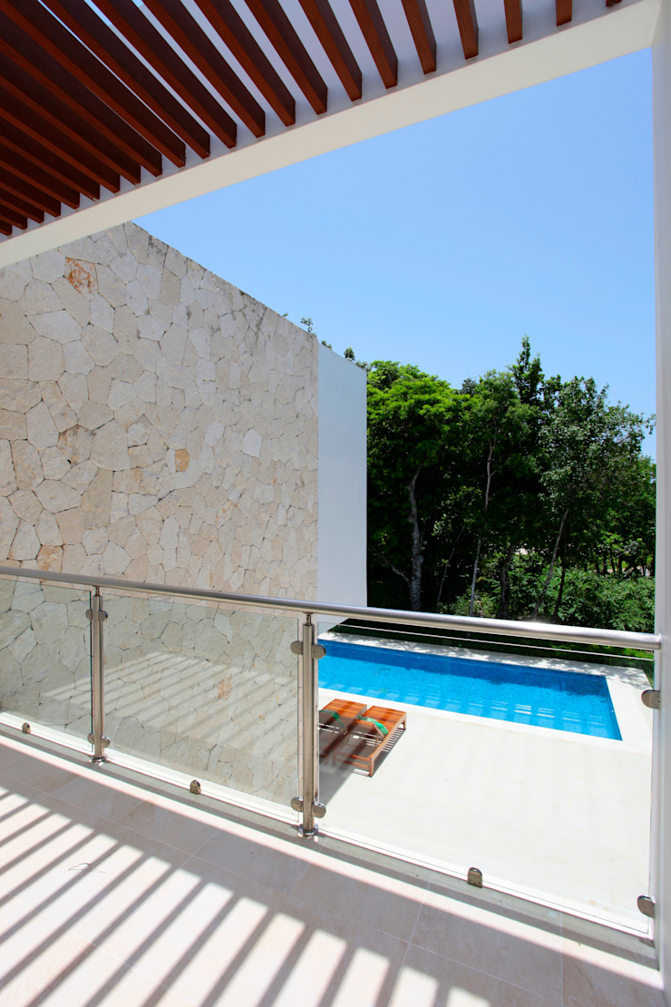 Enrique Cabrera Arquitecto Modern balcony, veranda & terrace