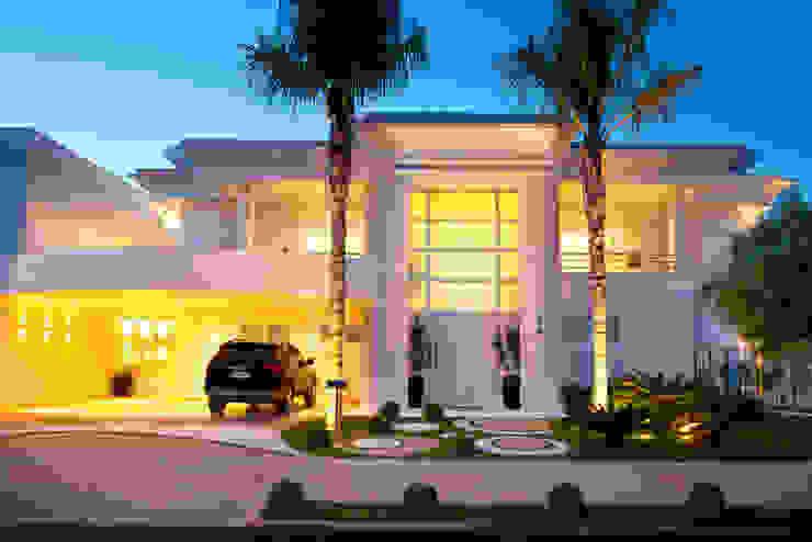 Casas estilo moderno: ideas, arquitectura e imágenes de Arquiteto Aquiles Nícolas Kílaris Moderno