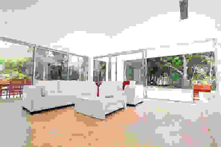 Enrique Cabrera Arquitecto Modern living room