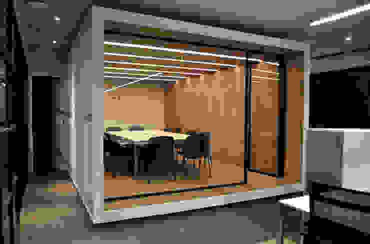 Sala de Juntas de DF ARQUITECTOS Moderno