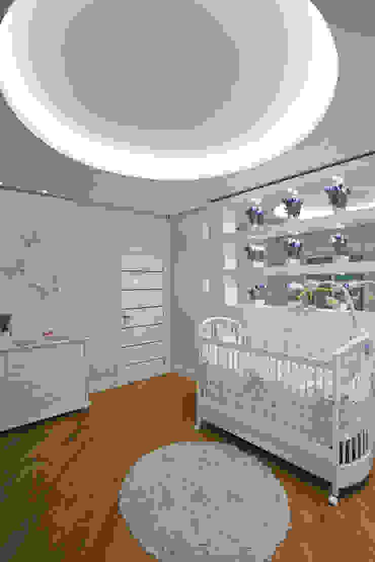 Dormitorios infantiles de estilo moderno de Arquiteto Aquiles Nícolas Kílaris Moderno