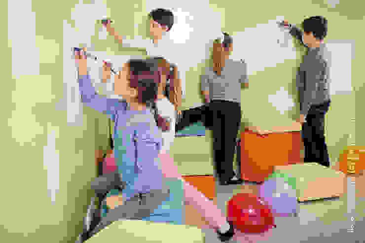Магнитно-маркерные покрытия в Международной языковой школе Школы в стиле лофт от IdeasMarket Лофт