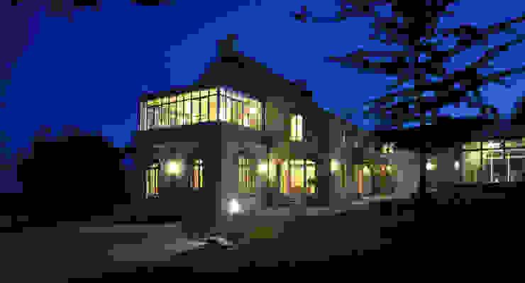 PROPRIETE SUD FINISTERE Maisons classiques par CEDRIN ARCHITECTURE Classique