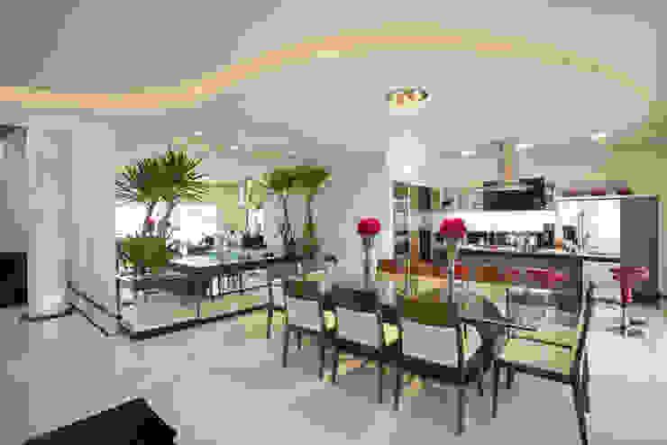 Casa Curvas no Neoclássico Salas de jantar modernas por Arquiteto Aquiles Nícolas Kílaris Moderno