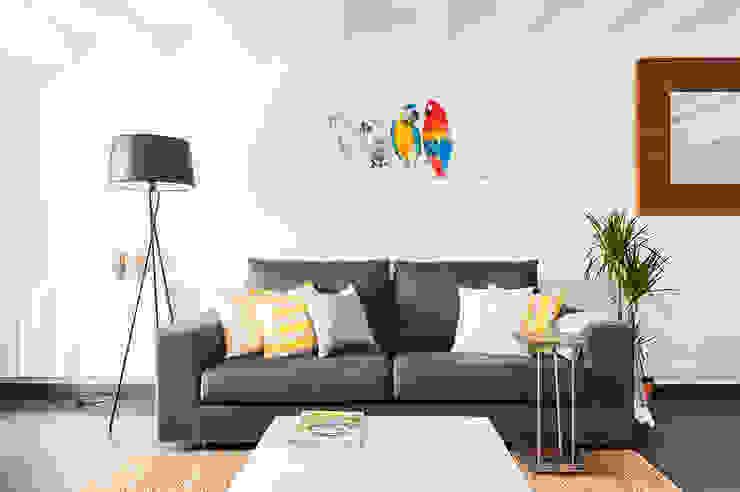 Salón detalle del sofá Salas modernas de Markham Stagers Moderno