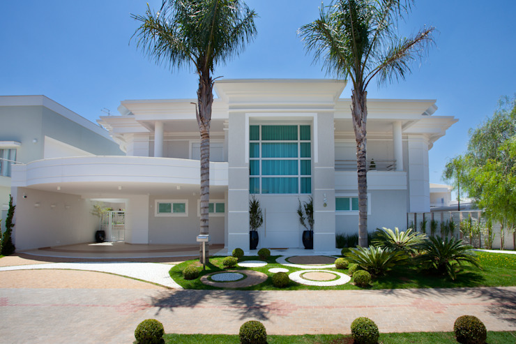 Дома в стиле модерн от Arquiteto Aquiles Nícolas Kílaris Модерн