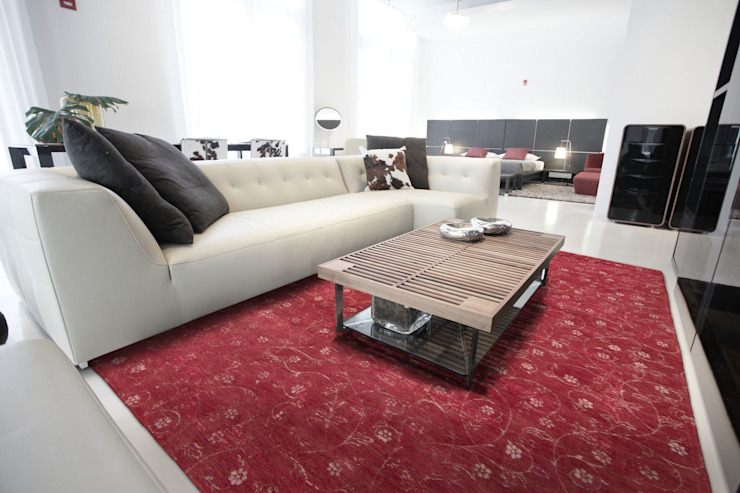Twinkle Marsala Interior: modern  door louis de poortere, Modern