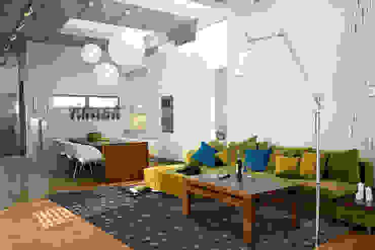 Twinkle Cupcake Interior: modern  door louis de poortere, Modern
