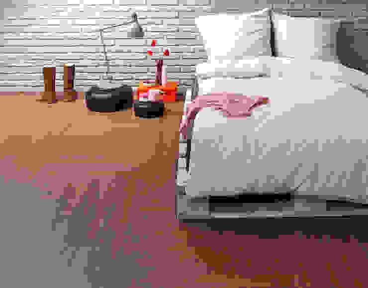 RE/COVER green Parts: modern  von Vorwerk flooring,Modern