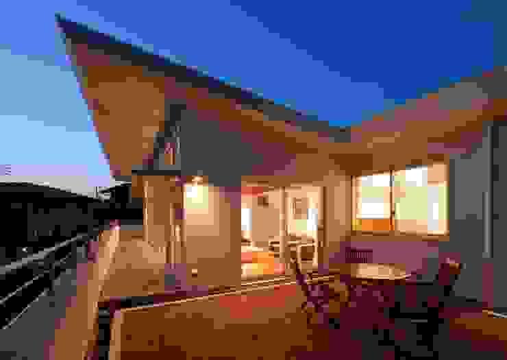 テラス夜景 モダンデザインの テラス の 有限会社笹野空間設計 モダン