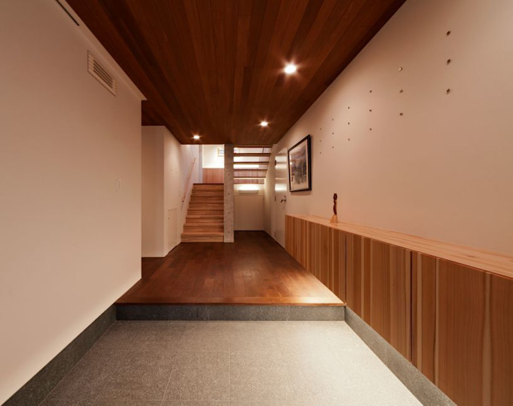 玄関ホール モダンスタイルの 玄関&廊下&階段 の 有限会社笹野空間設計 モダン