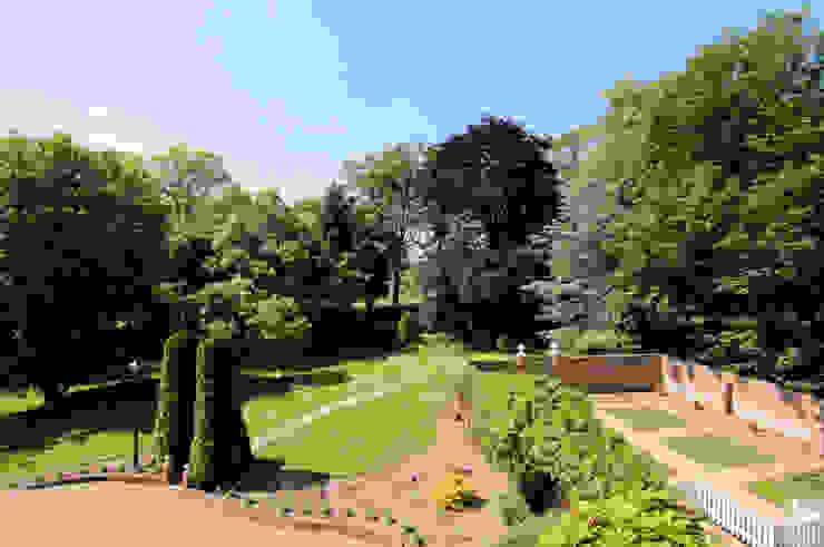 Bossington House, Adisham Kent Jardins campestres por Lee Evans Partnership Campestre