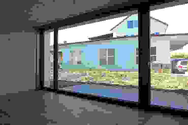 pasifa häuser güttingen schweiz Minimalistische Arbeitszimmer von airarchitekten ag Minimalistisch
