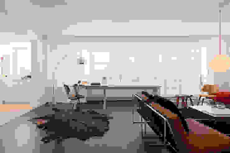 Livings de estilo  por JUMA architects