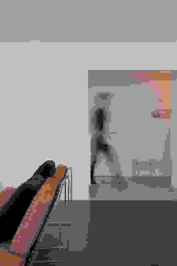419 Moderne gangen, hallen & trappenhuizen van JUMA architects Modern