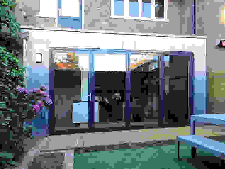 Modern houses by De Ontwerpdivisie Modern