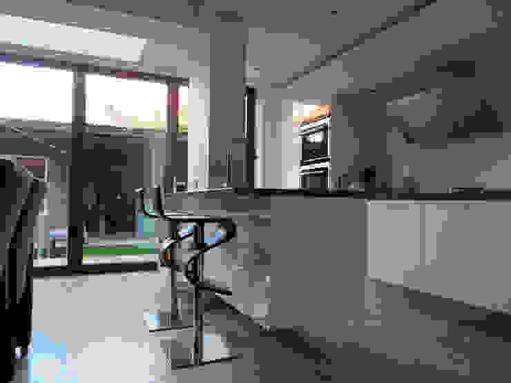 Modern dining room by De Ontwerpdivisie Modern