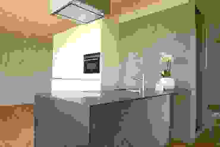 pasifa häuser güttingen schweiz Minimalistische Küchen von airarchitekten ag Minimalistisch