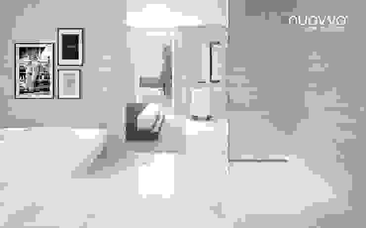 Ambiente con plato de ducha STONE Baños de estilo minimalista de NUOVVO Minimalista