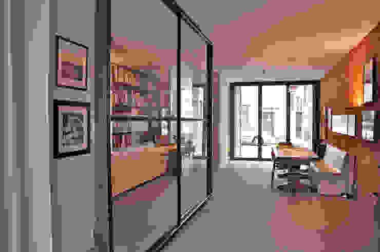 zicht naar de straat: modern  door Tijmen Ploeg Architecten, Modern