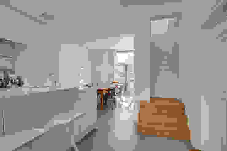 Restauratie en verbouw van voormalig Gemeentehuis Oudenrijn, De Meern Moderne keukens van op ten noort blijdenstein architecten Modern