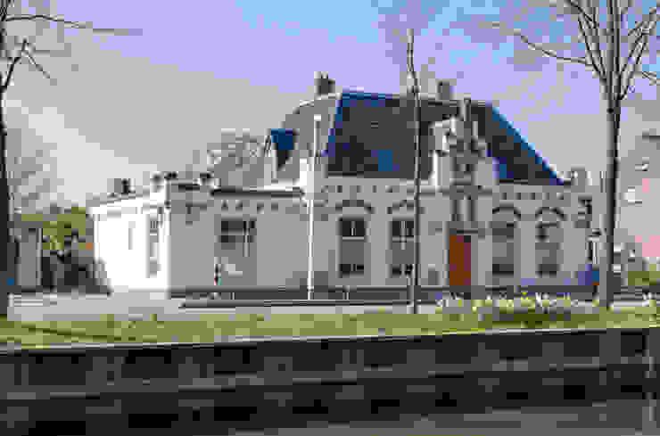 Restauratie en verbouw van voormalig Gemeentehuis Oudenrijn, De Meern Klassieke huizen van op ten noort blijdenstein architecten Klassiek