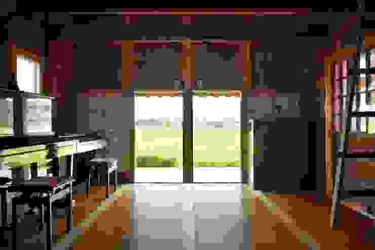 ホリナンの家 カントリーデザインの 多目的室 の 平野建築設計室 カントリー