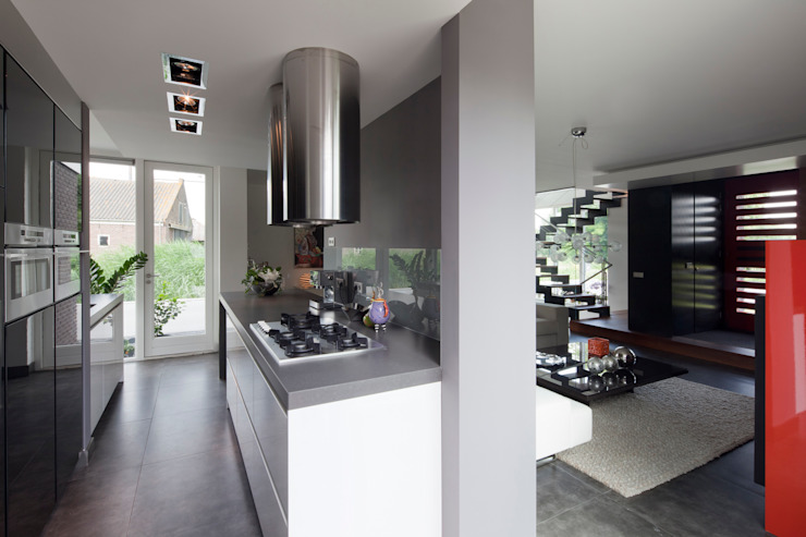 Kitchen by MEF Architect, Modern