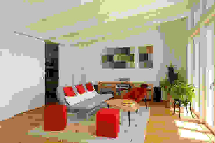 Wohnen in Zentrum Multimedia-Raum im Landhausstil von mmarch gmbh - Mader Marti Architektur ETH SIA Landhaus