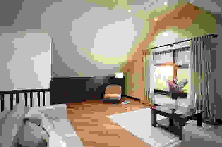 Только для своих Спальня в эклектичном стиле от Студия интерьера 'SENSE' Эклектичный
