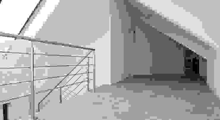 Overloop Moderne gangen, hallen & trappenhuizen van Building Design Architectuur Modern