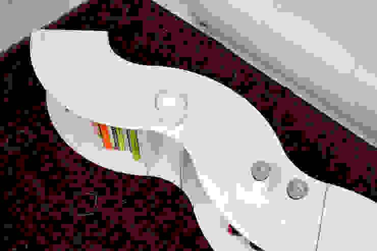 PIE table de ilias fragkakis Moderno