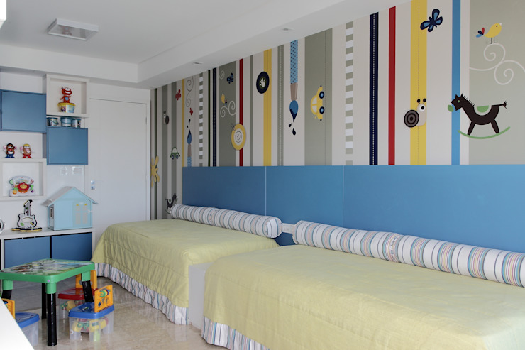 Nursery/kid's room by ROMERO DUARTE & ARQUITETOS