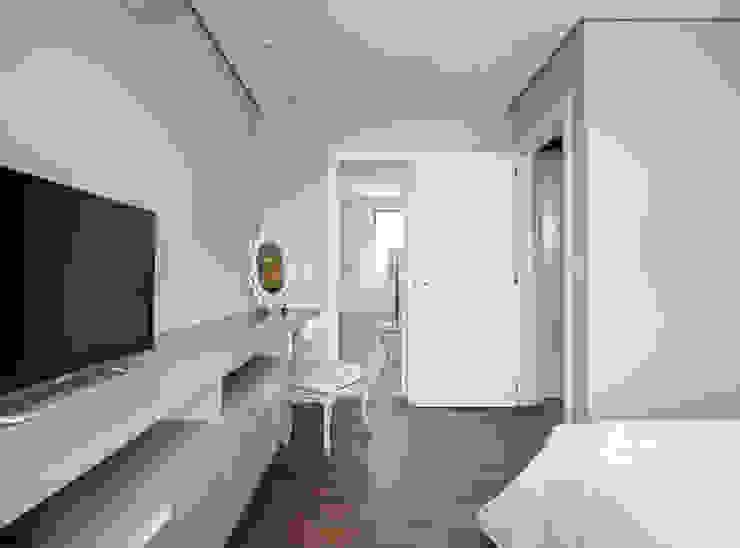 Apartamento LPGC Quartos modernos por Juliana Damasio Arquitetura Moderno