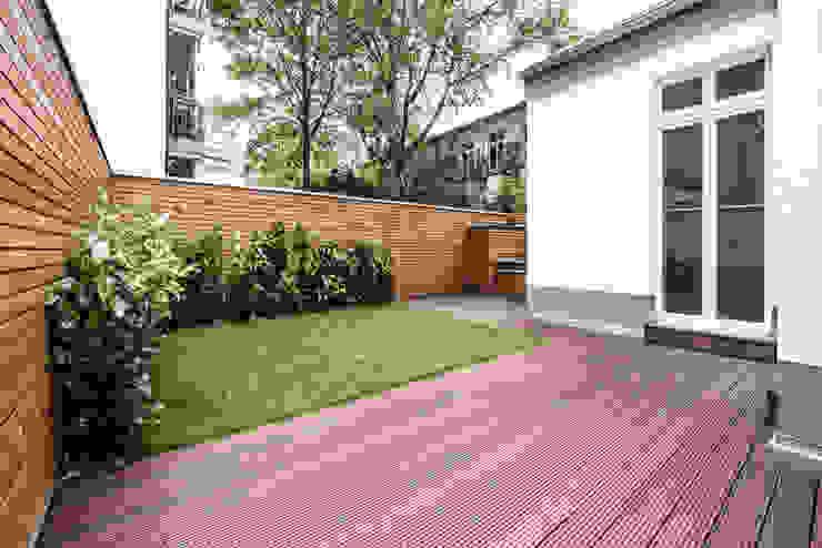 Maria Stahl Architekten Modern balcony, veranda & terrace