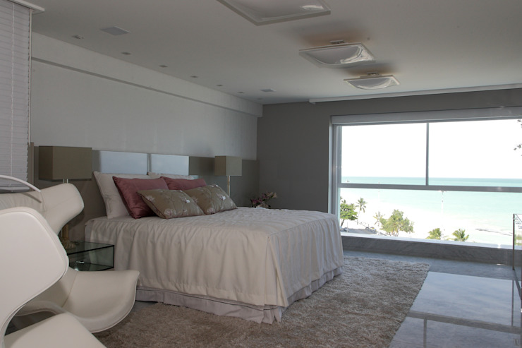 Modern style bedroom by ROMERO DUARTE & ARQUITETOS Modern