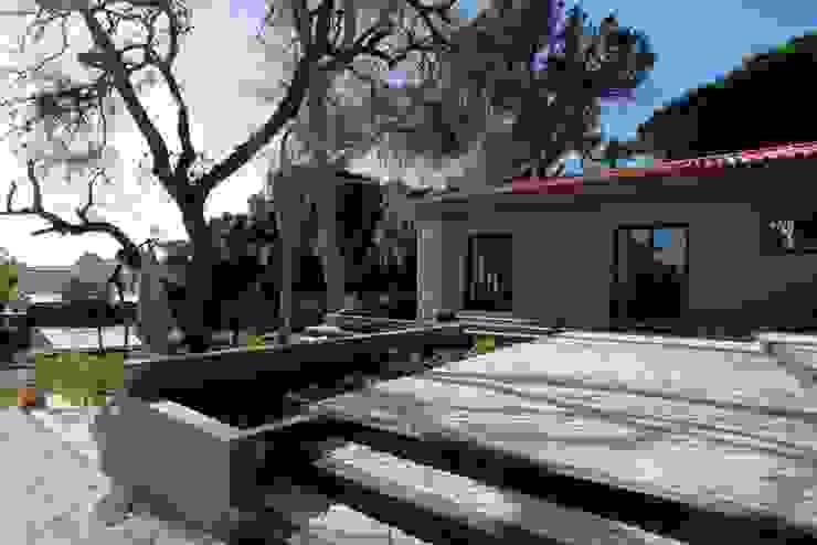 Renovação moradia em Birre II | Cascais Varandas, marquises e terraços modernos por shfa Moderno