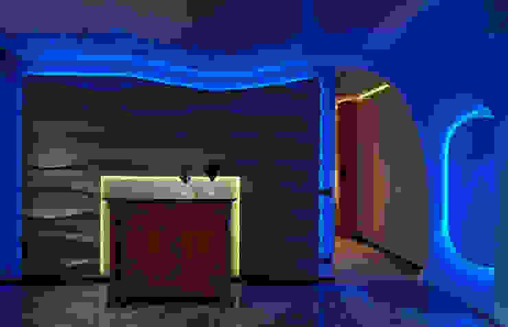 V. House… the movement captivating Soggiorno moderno di alessandromarchelli+designers AM+D studio Moderno