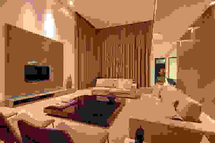 Salones de estilo moderno de ÓBVIO: escritório de arquitetura Moderno