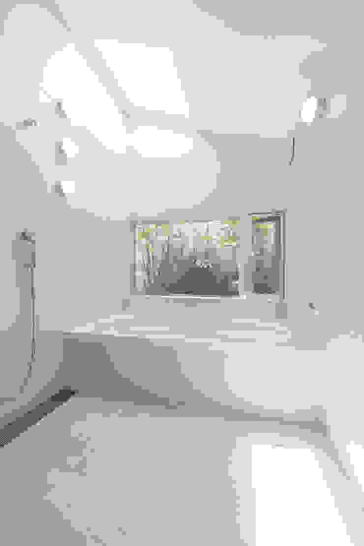 . モダンスタイルの お風呂 の 長村英紀建築計画室 モダン