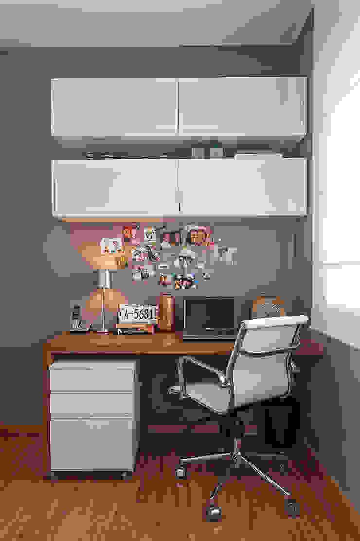 Apartamento MD Escritórios modernos por ÓBVIO: escritório de arquitetura Moderno
