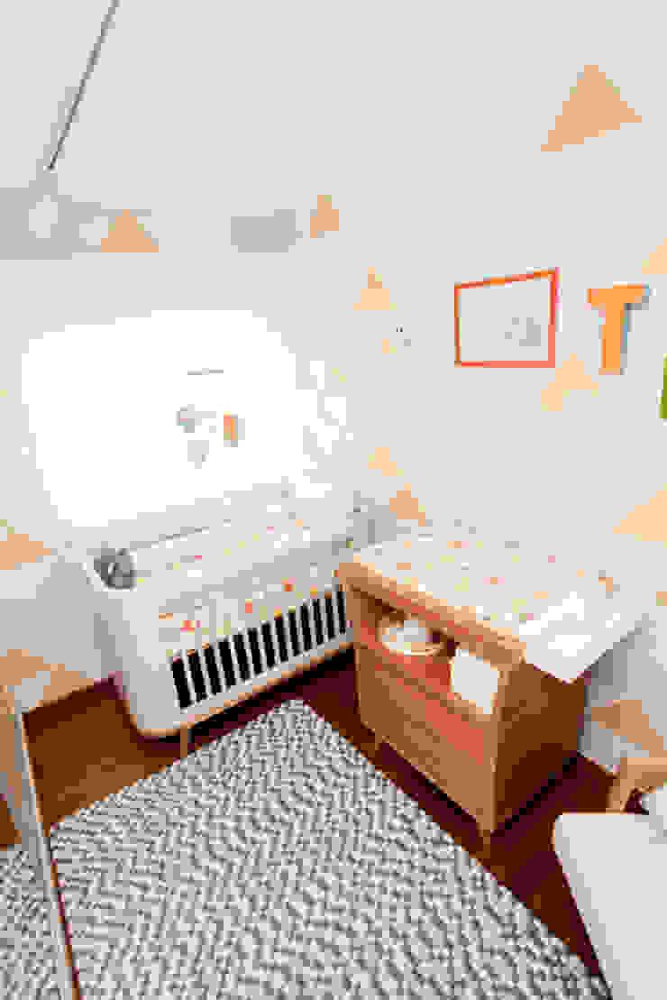 Um up na decoração Quarto infantil moderno por Uaua Baby Moderno