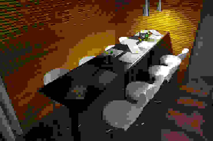 Emme Lounge & Food Espaços gastronômicos modernos por ÓBVIO: escritório de arquitetura Moderno