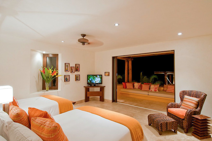 Tropical style bedroom by BR ARQUITECTOS Tropical