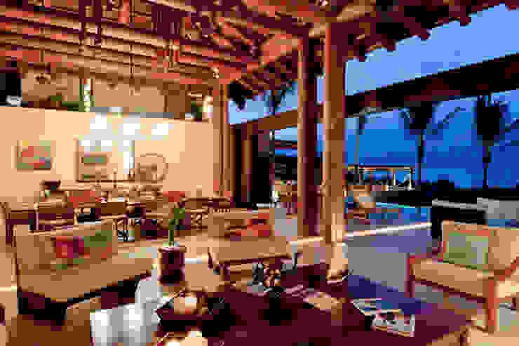 Kupuri Livings de estilo tropical de BR ARQUITECTOS Tropical