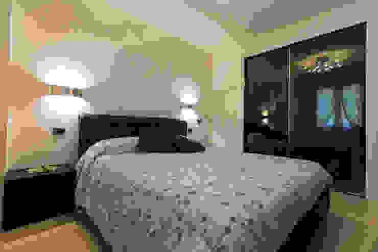 Casa C-P Camera da letto moderna di QUADRASTUDIO Moderno