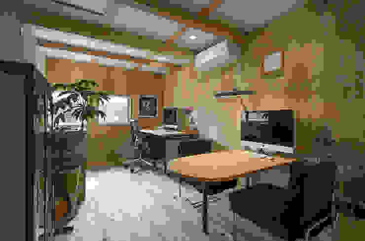 西庇の家 モダンデザインの 多目的室 の 株式会社建楽設計 モダン