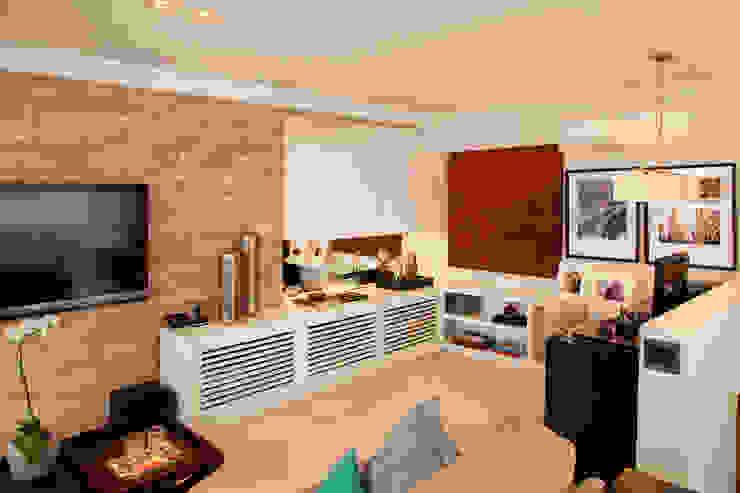 APARTAMENTO PARAÍSO Salas de estar modernas por TRIARQ STUDIO DE ARQUITETURA E INTERIORES LTDA Moderno